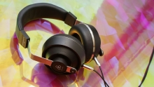 WIN Final Sonorous III closed-back headphones Thumbnail