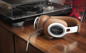 B&W to show full line up of headphones from P3 to P9 Signature Thumbnail